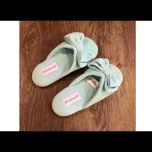 American Girl Slippers For Girl's! Shoe size 1-3